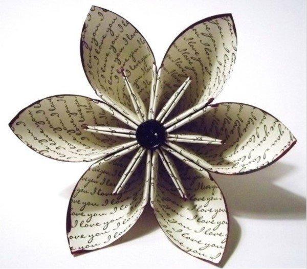 Origami ile yapılmış çiçek tasarımları