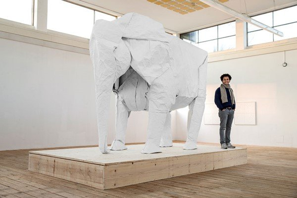 Origami ile yapılmış heykel tasarımları
