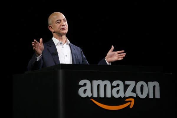 Jeff Bezos şuan dünyanın en zengin iş insanı konumunda.